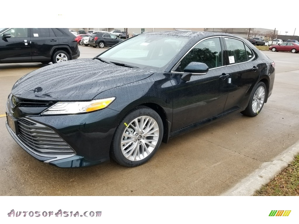 2020 Camry XLE - Galactic Aqua Mica / Black photo #1