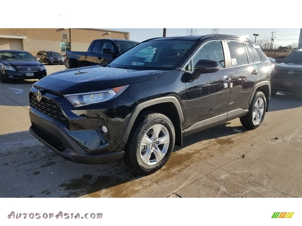 2020 RAV4 XLE AWD - Midnight Black Metallic / Black photo #1