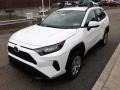 Toyota RAV4 LE AWD Super White photo #23