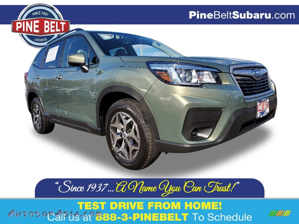 2020 Forester 2.5i Premium - Jasper Green Metallic / Gray photo #1