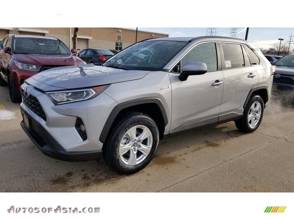 2020 RAV4 XLE AWD Hybrid - Silver Sky Metallic / Light Gray photo #1