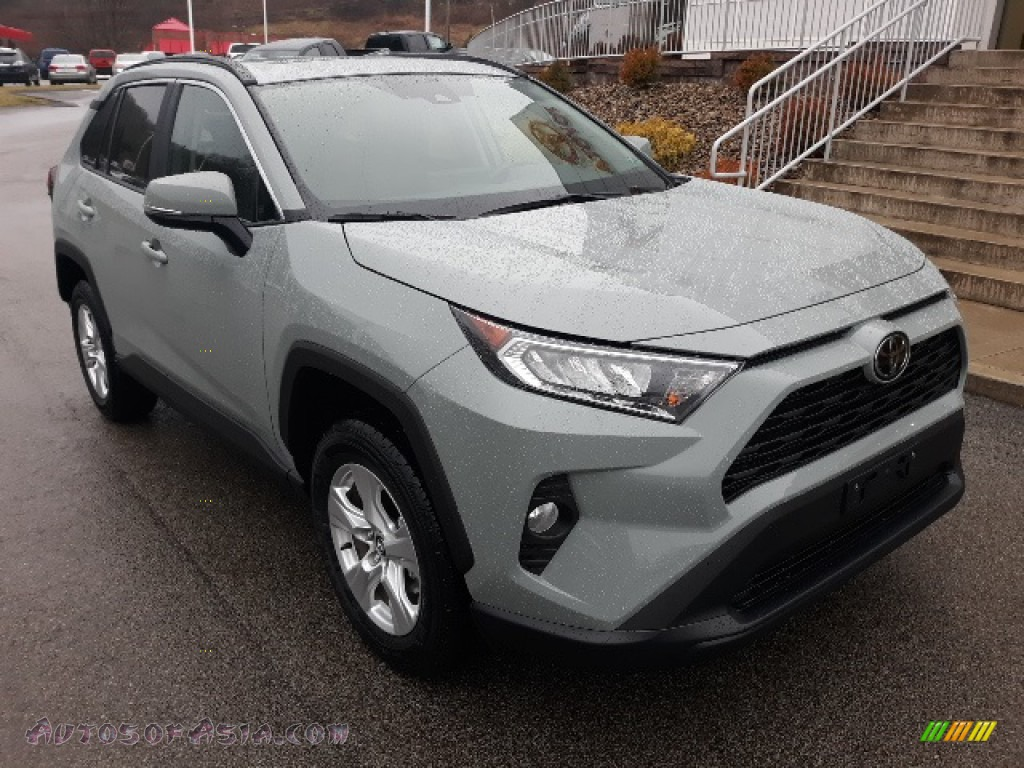 2020 RAV4 XLE AWD - Lunar Rock / Black photo #1