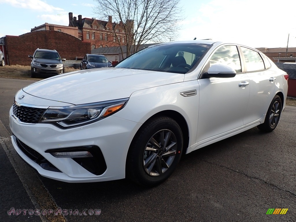 2020 Optima LX - Snow White / Black photo #7