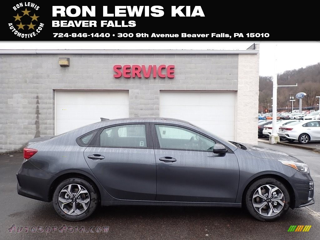 Gravity Grey / Black Kia Forte LXS