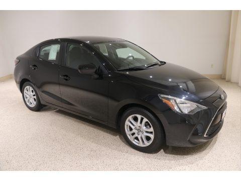 Stealth 2017 Toyota Yaris iA