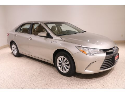 Creme Brulee Mica 2017 Toyota Camry Hybrid LE