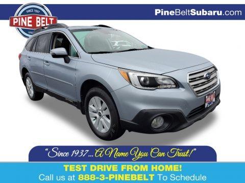 Ice Silver Metallic 2017 Subaru Outback 2.5i Premium