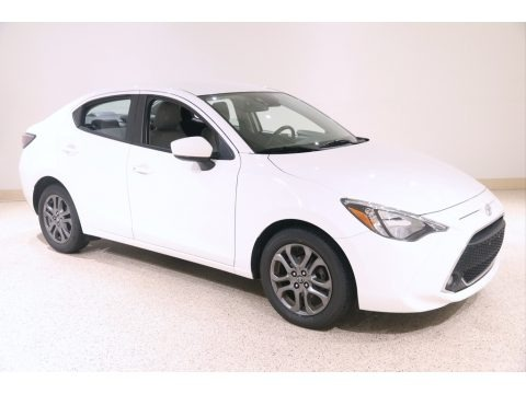Frost 2019 Toyota Yaris LE