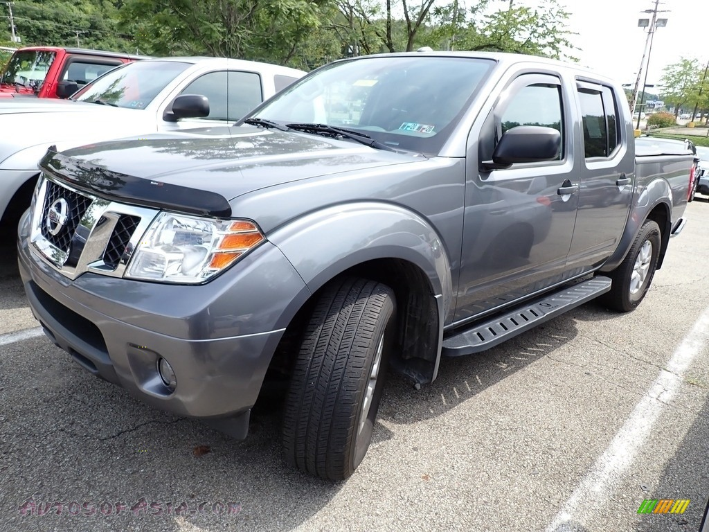 2017 Frontier SV Crew Cab 4x4 - Gun Metallic / Steel photo #1
