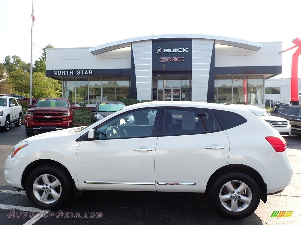 2013 Rogue S AWD - Pearl White / Black photo #1
