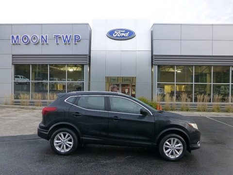 Magnetic Black 2017 Nissan Rogue Sport SV AWD