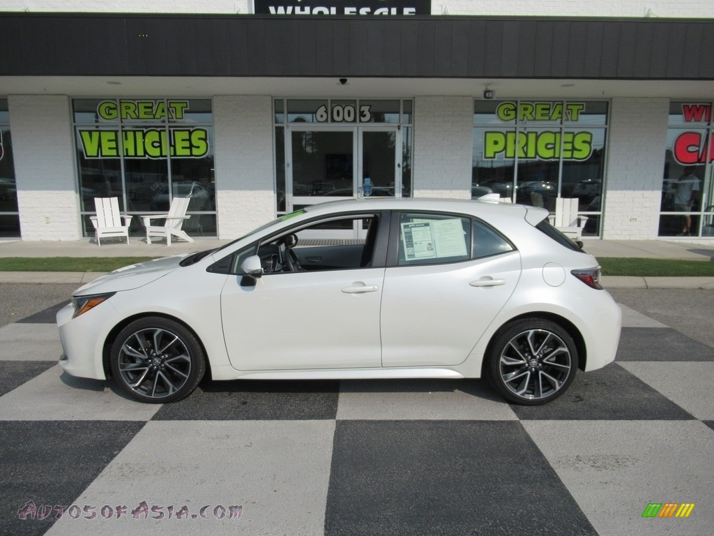 2020 Corolla Hatchback XSE - Blizzard Pearl / Moonstone photo #1