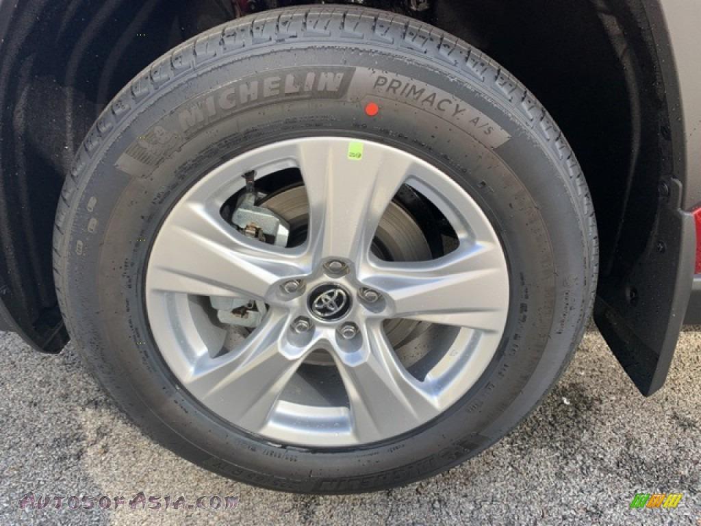 2021 RAV4 XLE AWD - Ruby Flare Pearl / Black photo #32