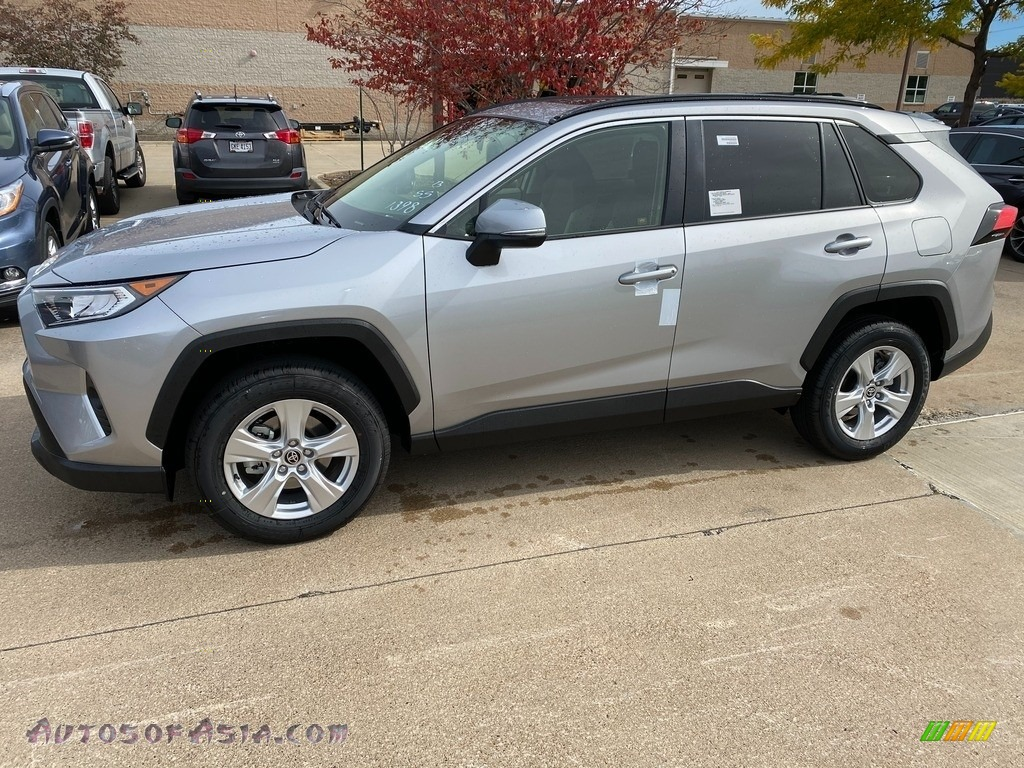 2021 RAV4 XLE AWD - Silver Sky Metallic / Light Gray photo #1