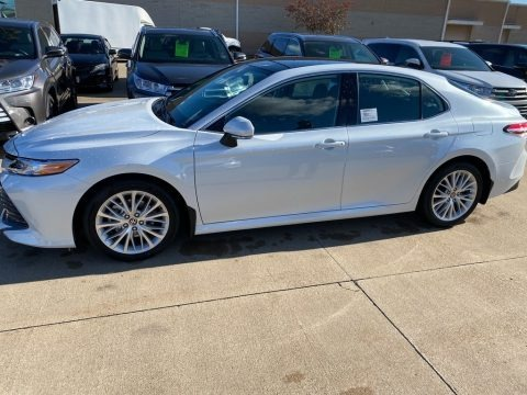 Wind Chill Pearl 2020 Toyota Camry XLE