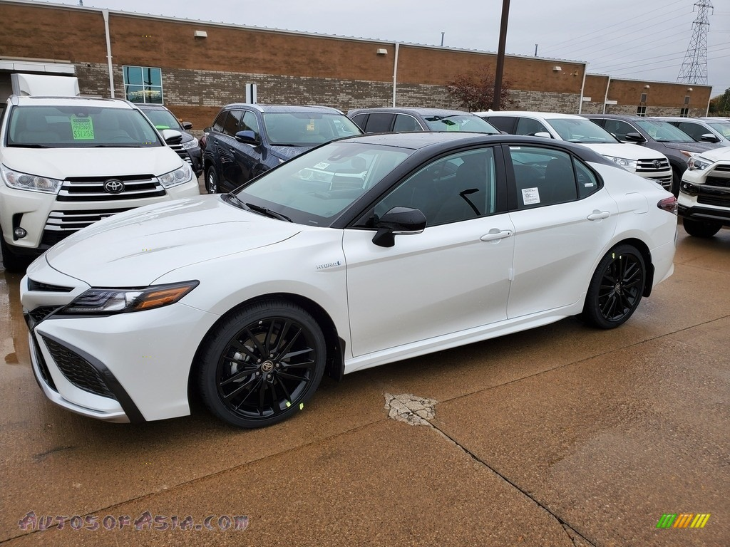 2021 Camry XSE Hybrid - Wind Chill Pearl / Black photo #1