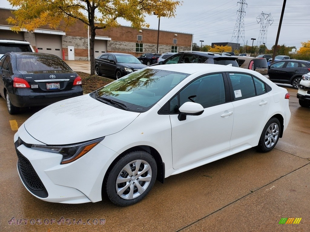 2021 Corolla LE - Super White / Black photo #1