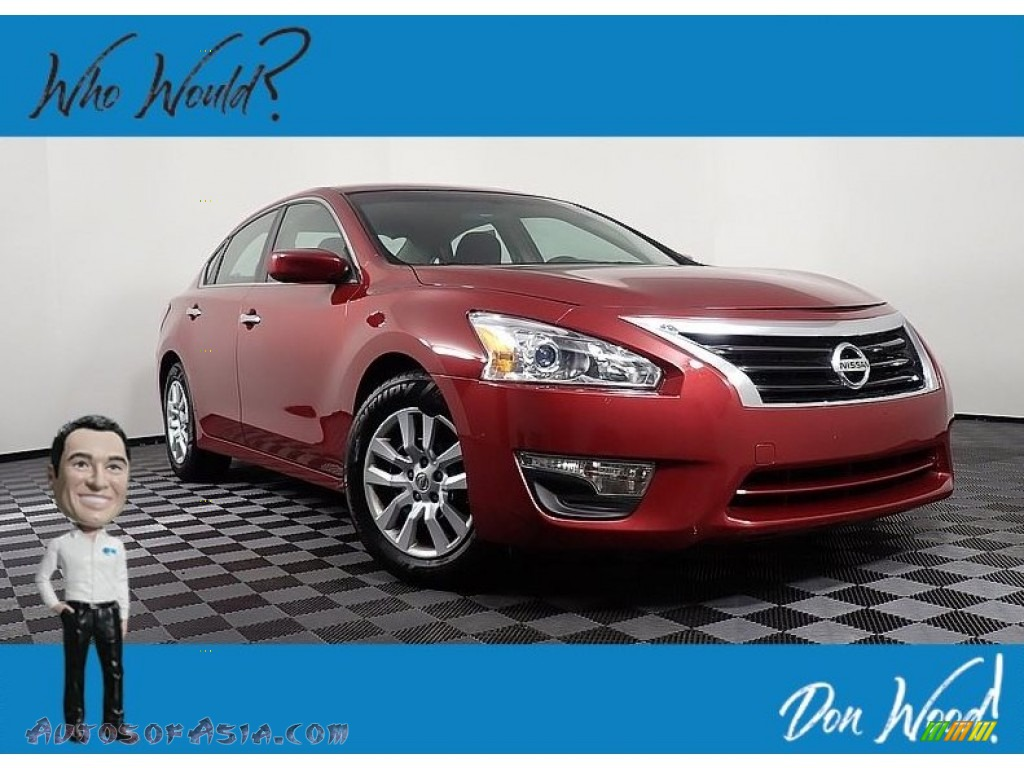 2013 Altima 2.5 S - Cayenne Red / Charcoal photo #1
