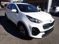 Kia Sportage LX Clear White photo #3
