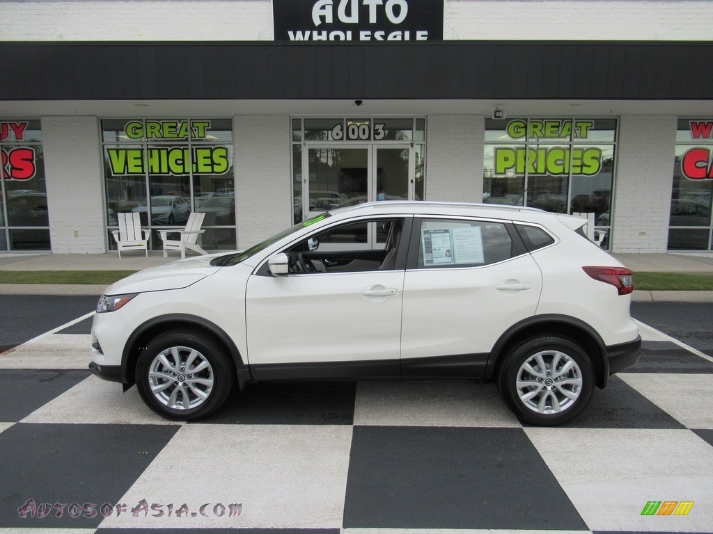 2020 Rogue SV - Pearl White Tricoat / Almond photo #1