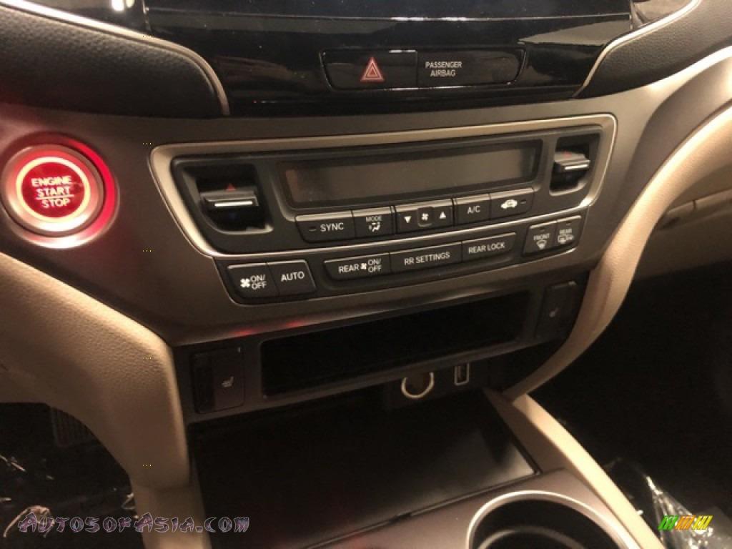 2021 Pilot EX-L AWD - Platinum White Pearl / Beige photo #18