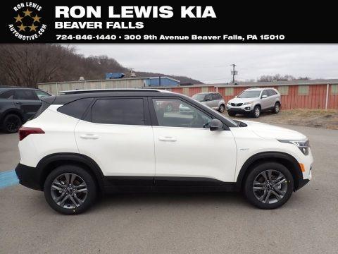 Clear White 2021 Kia Seltos S AWD