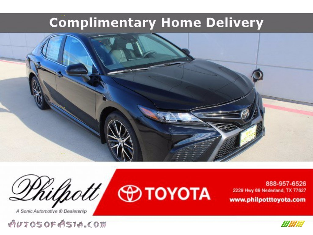 Midnight Black Metallic / Black Toyota Camry SE
