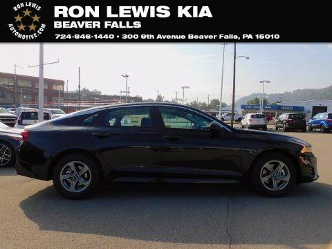 Ebony Black 2022 Kia K5 LXS