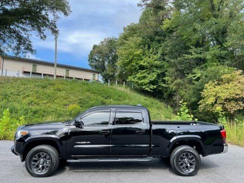 Midnight Black Metallic 2021 Toyota Tacoma SR5 Double Cab 4x4