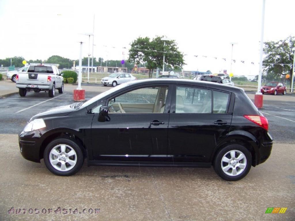 Car picker black nissan versa hb black versa hb image vanachro Images