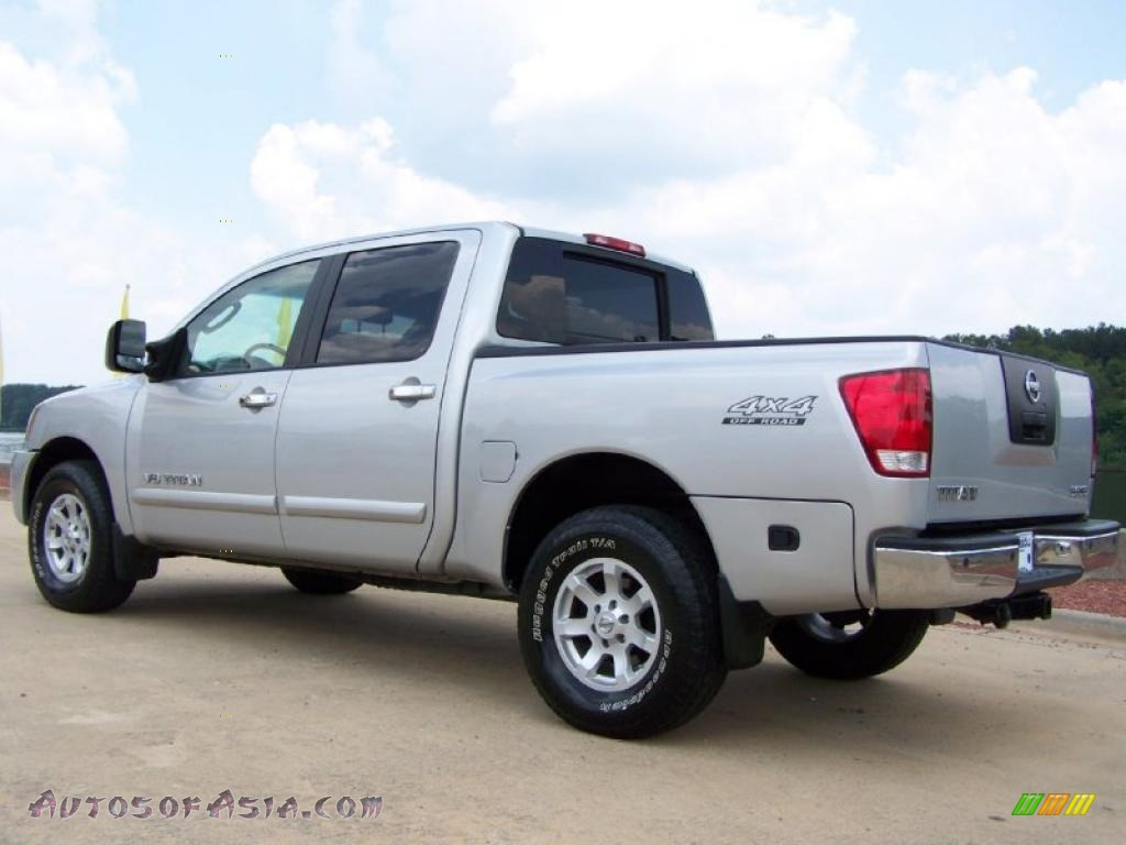 2005 nissan titan se crew cab 4x4 in radiant silver photo 4 539670 autos of asia japanese. Black Bedroom Furniture Sets. Home Design Ideas