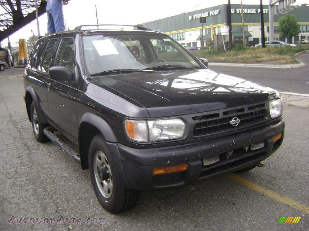 1997 nissan pathfinder se 4x4 in super black photo 2. Black Bedroom Furniture Sets. Home Design Ideas