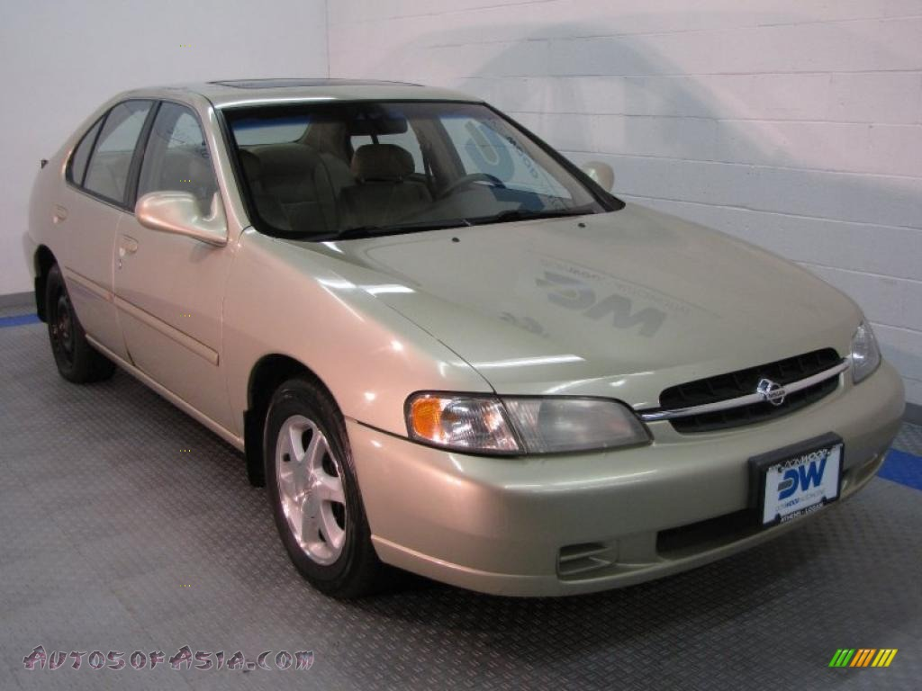 1999 Nissan Altima GXE in Champagne Metallic  120828  Autos of
