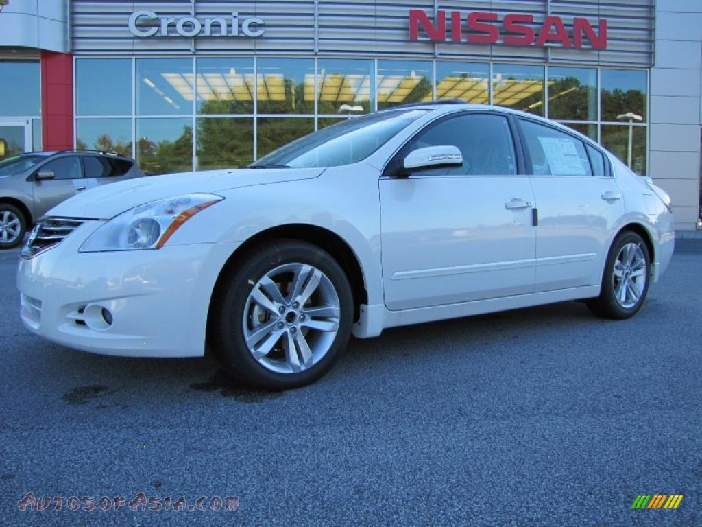 2011 nissan altima 3 5 sr in winter frost white photo 19 400432 autos of asia japanese. Black Bedroom Furniture Sets. Home Design Ideas