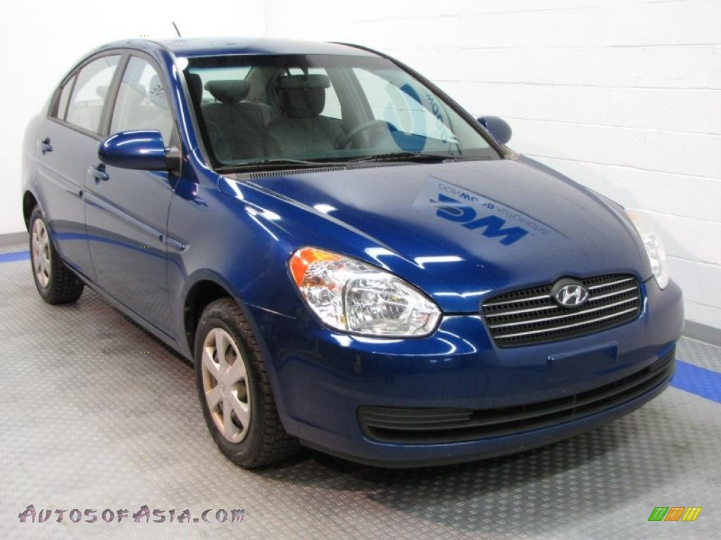 2006 Hyundai Accent Gls Sedan In Dark Sapphire Blue Photo