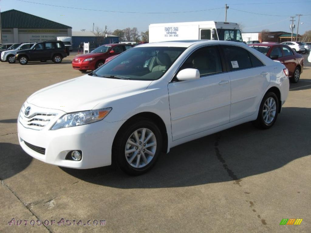2011 Toyota Camry Xle In Super White Photo 3 160148