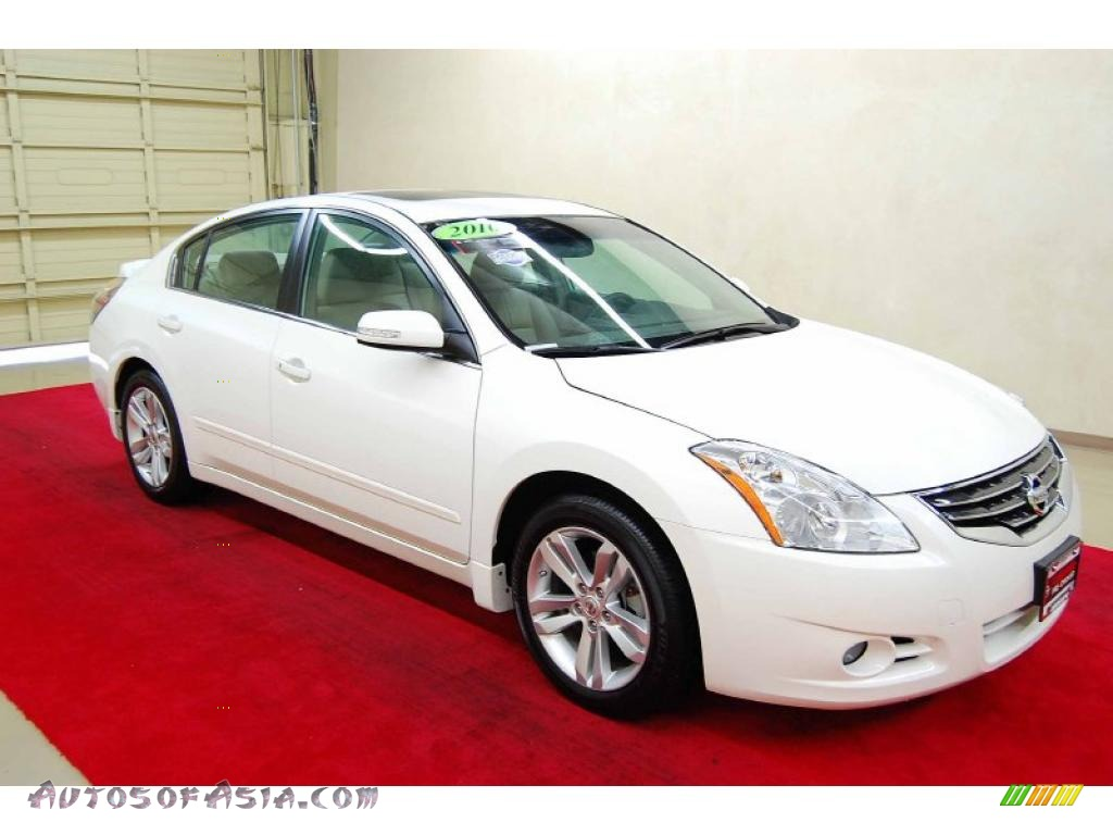 2010 nissan altima 3 5 sr in winter frost white 104389 autos of asia japanese and korean. Black Bedroom Furniture Sets. Home Design Ideas