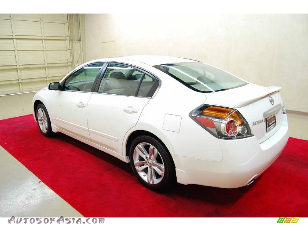 2010 nissan altima 3 5 sr in winter frost white photo 4 104389 autos of asia japanese and. Black Bedroom Furniture Sets. Home Design Ideas