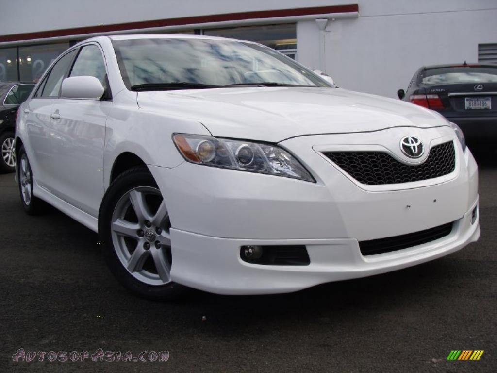 2008 toyota camry se v6 in super white 565895 autos of asia japanese and korean cars for. Black Bedroom Furniture Sets. Home Design Ideas