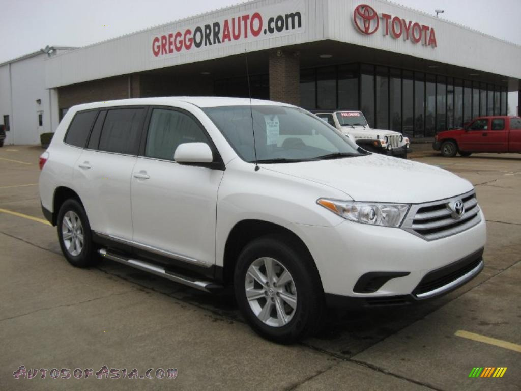 2011 toyota highlander v6 in blizzard white pearl 034491. Black Bedroom Furniture Sets. Home Design Ideas