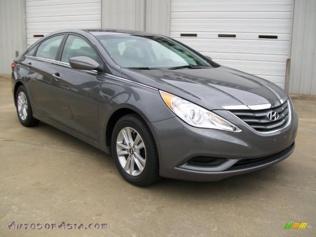 Harbor Gray Metallic / Gray Hyundai Sonata GLS