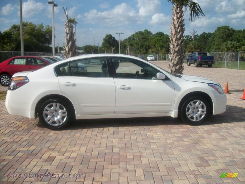 2010 Nissan Altima 2 5 S In Winter Frost White 137950