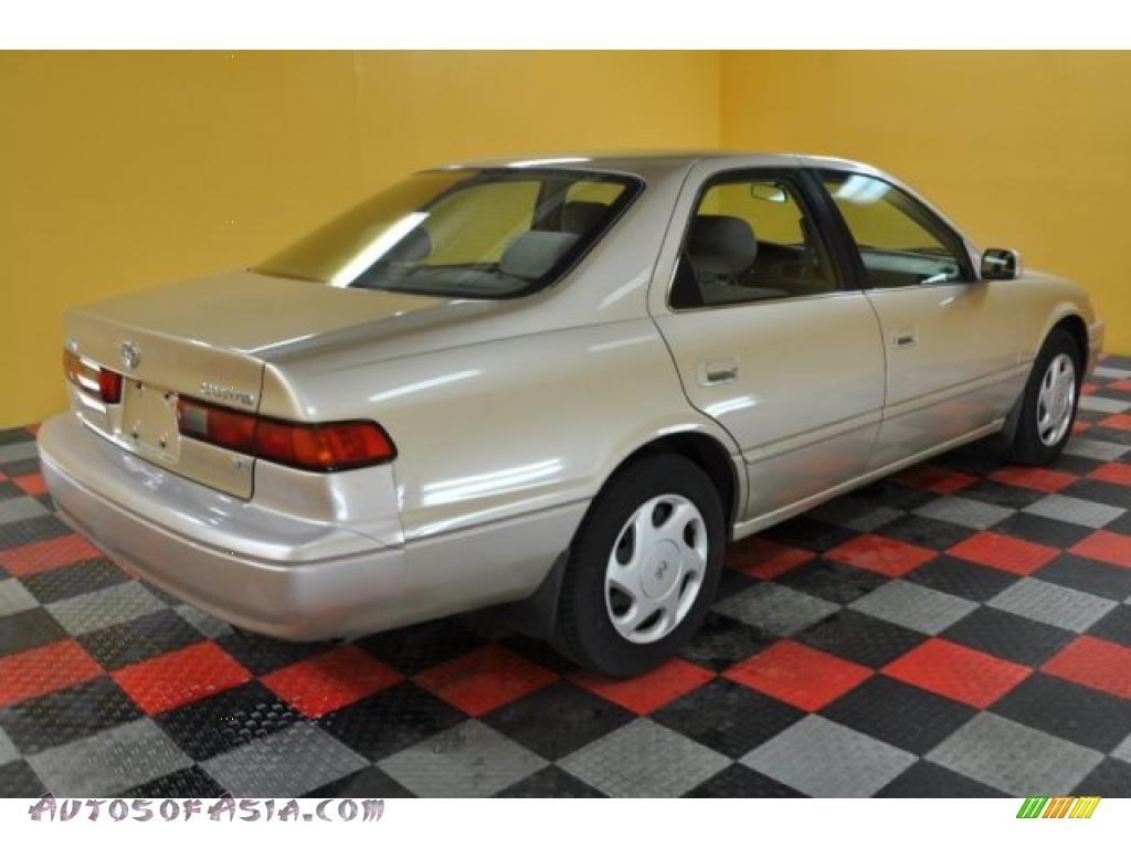 1998 toyota camry le v6 in cashmere beige metallic photo 4 102746 autos of asia japanese. Black Bedroom Furniture Sets. Home Design Ideas