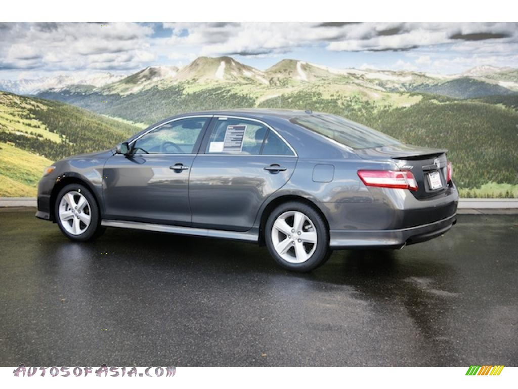 2011 toyota camry se v6 in magnetic gray metallic photo 3 626686 autos of asia japanese. Black Bedroom Furniture Sets. Home Design Ideas