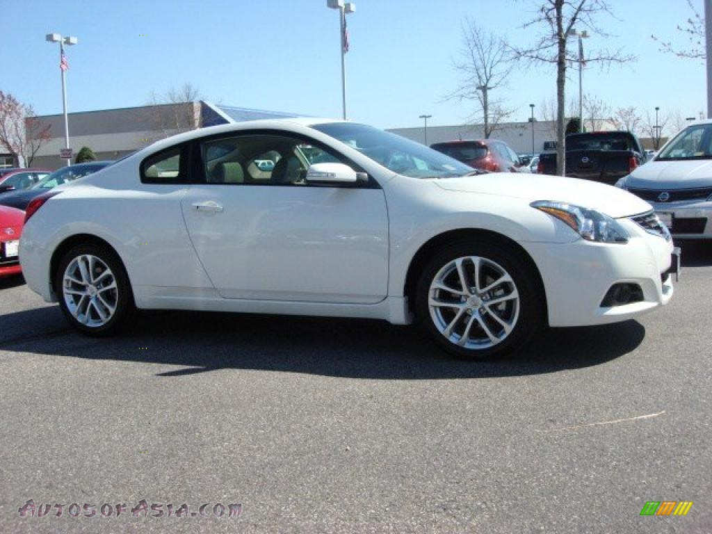 2011 nissan altima 3 5 sr coupe in winter frost white photo 2 100175 autos of asia. Black Bedroom Furniture Sets. Home Design Ideas