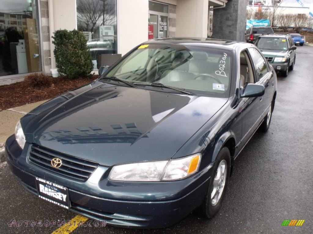 1997 Toyota Camry Xle In Classic Green Pearl 090044 Autos Of