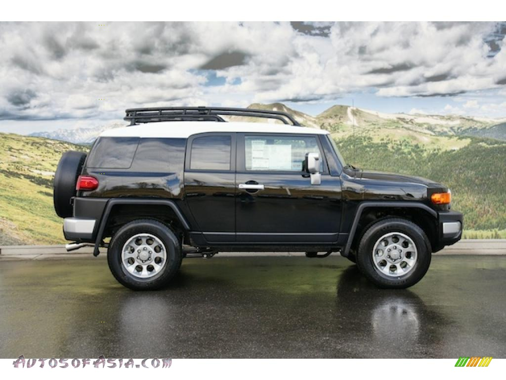 2011 Toyota FJ Cruiser 4WD in Black photo #2 - 104032 | Autos of Asia ...