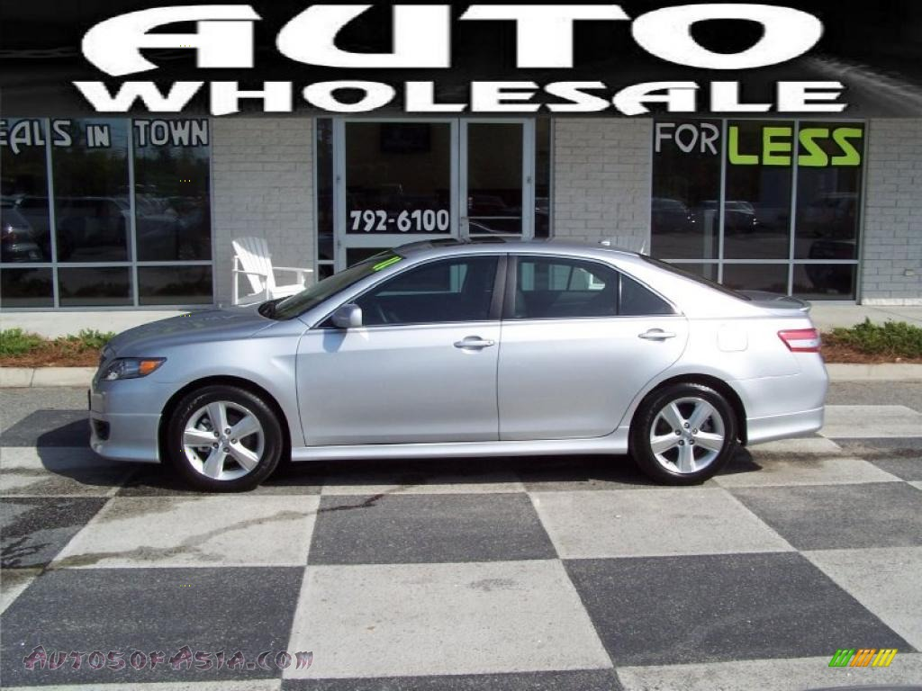 2011 toyota camry se v6 in classic silver metallic 622356 autos of asia japanese and. Black Bedroom Furniture Sets. Home Design Ideas