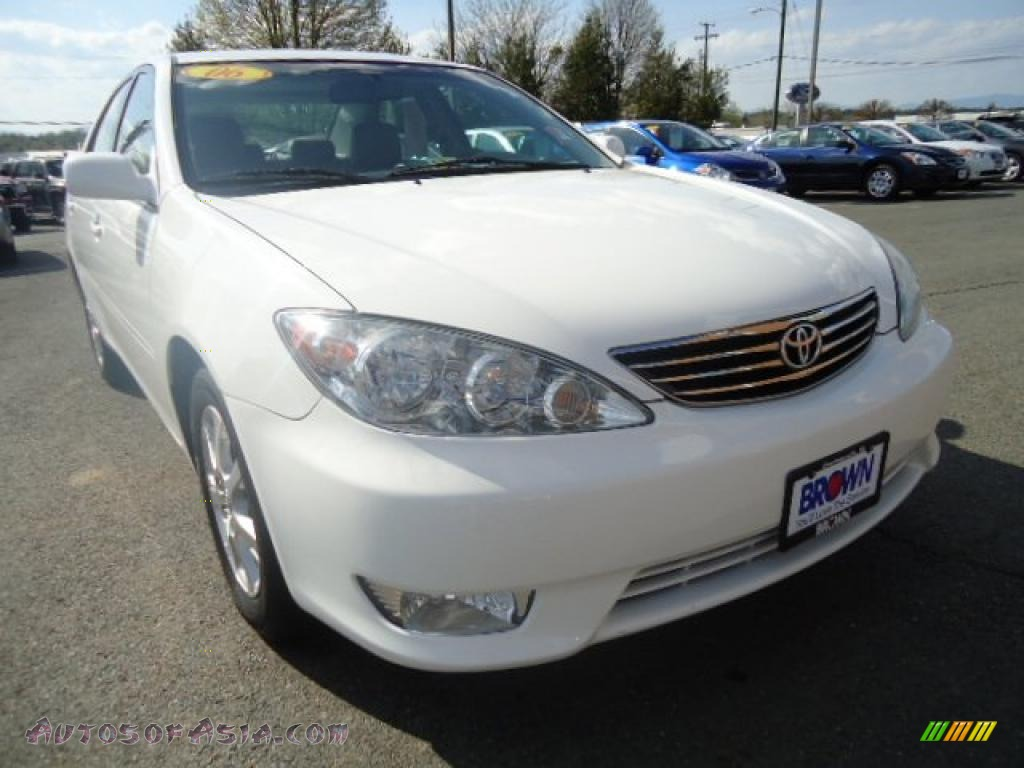 2006 toyota camry xle v6 in super white 633627 autos of asia japanese a. Black Bedroom Furniture Sets. Home Design Ideas