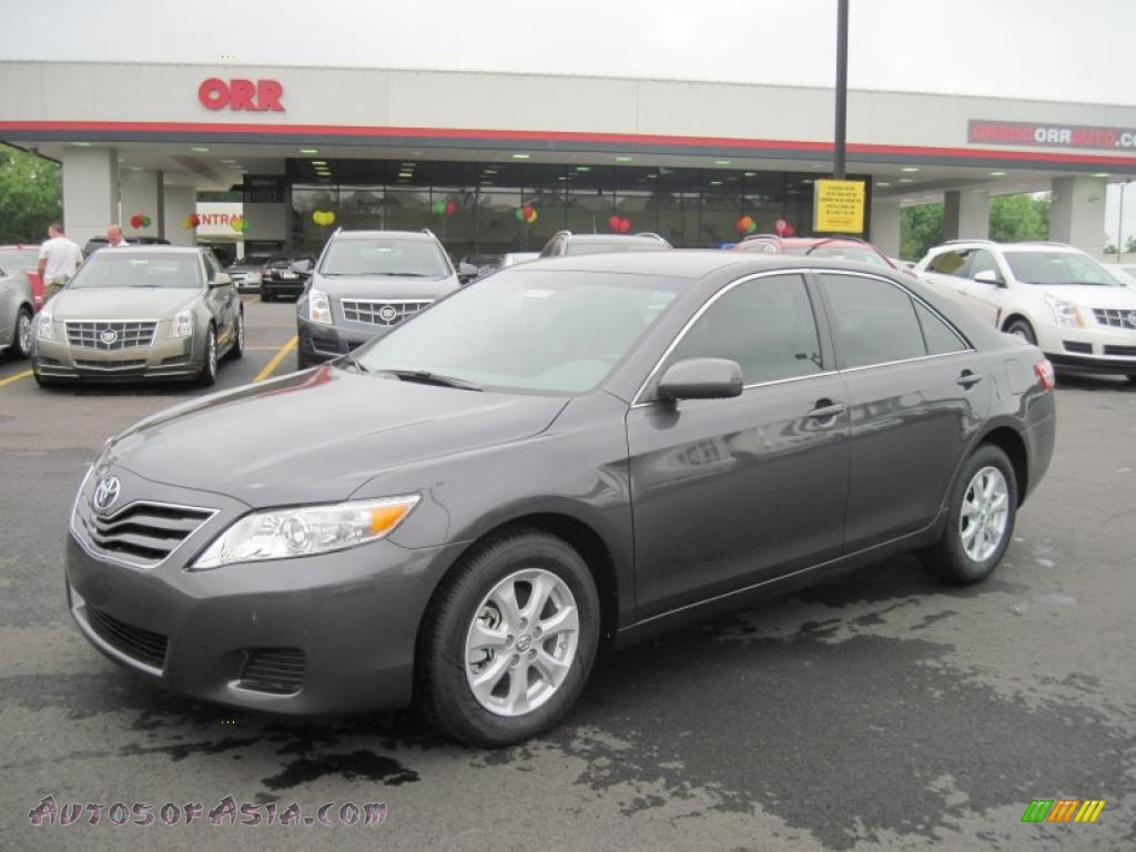 2011 Toyota Camry Le In Magnetic Gray Metallic 188294